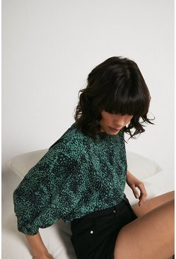Top With Puff Sleeve In Green Animal