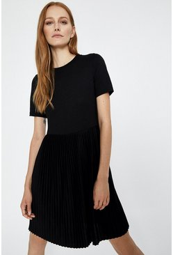 Black T-Shirt Pleated Dress