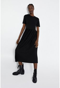 Black T-Shirt Pleated Midi Dress